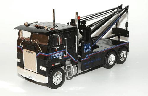 Freightliner FLA 1:43 road ranger towing, camiones 1/43, camiones americanos 1:43, coleccion camiones americanos 1:43, camiones americanos 1/43 altaya españa, camion terminator 1/43