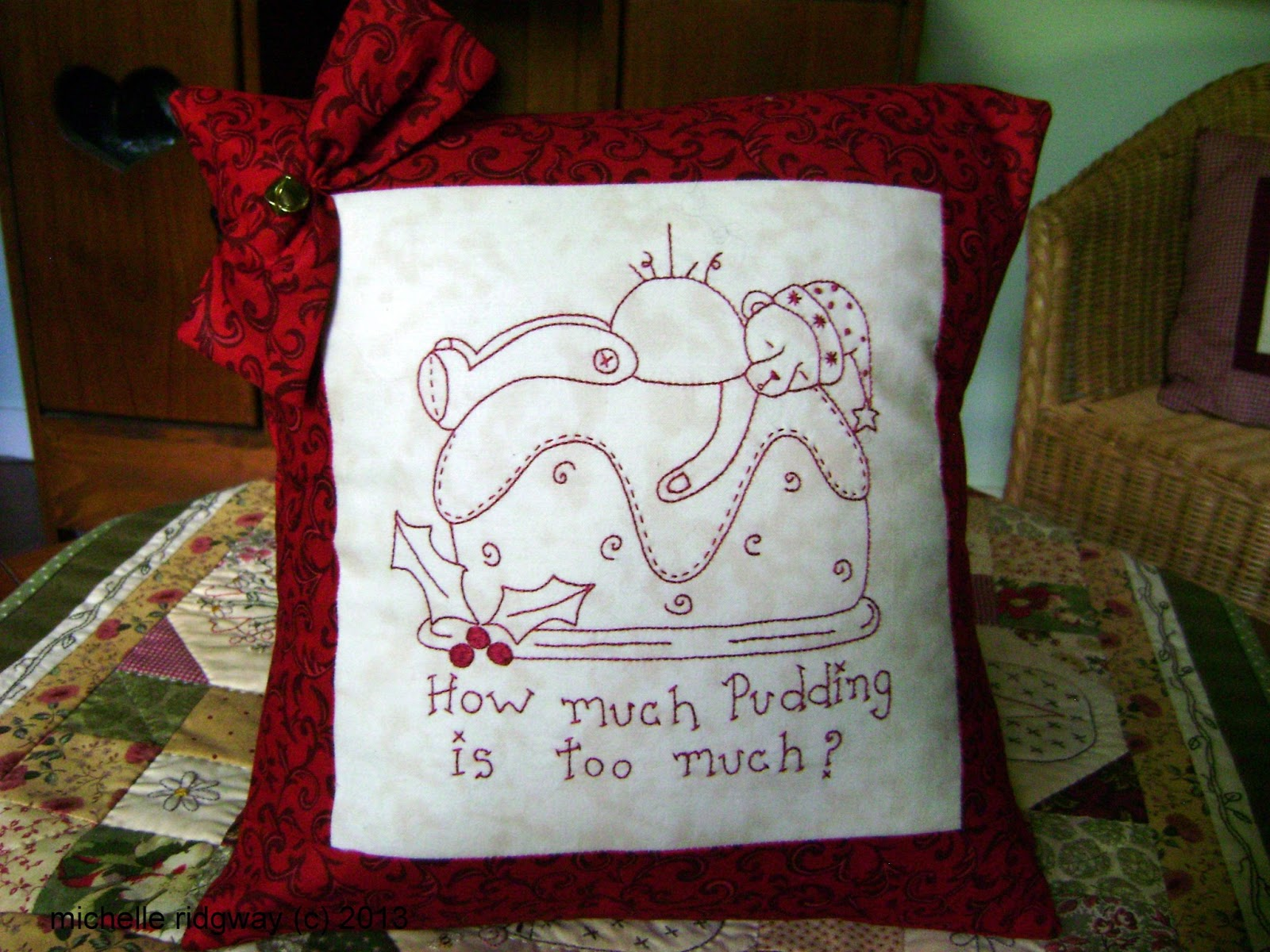 PUDDING TED CUSHION PATTERN