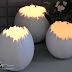 Φωτεινά πασχαλινά αυγά με γυψογάζα και μπαλόνι.