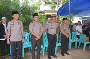 Kapolda Jambi Takziah Kerumah Duka Almarhum IPTU Muhammad Zahar