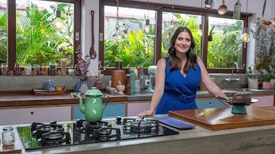 Carol Fiorentino segue no comando da série, que apresentará receitas doces - Divulgação