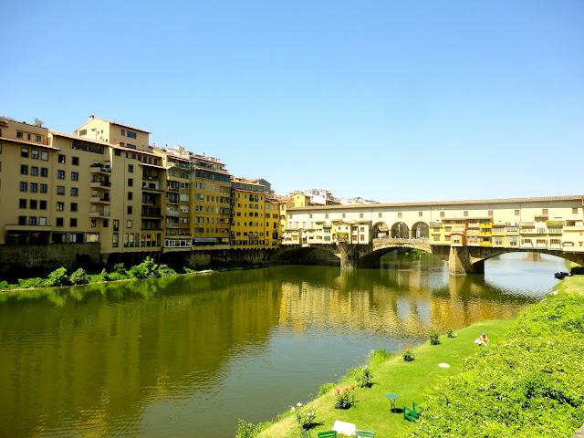 Ponte Vecchio (bridge) crossing the River Arno in Florence, Italy
