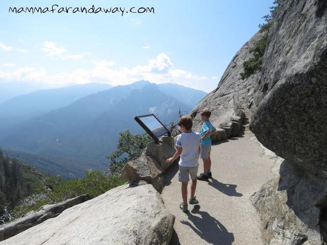 Moro Rock Sequoia National Park