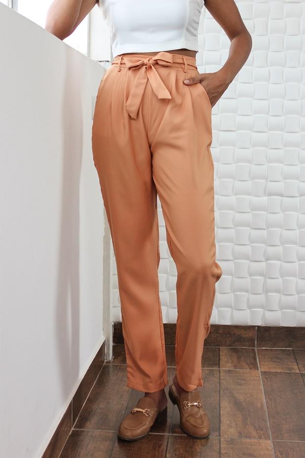 Calça Clochard com top cropped, Yoins, como usar calça clochard, calça cenoura, como usar calça cenoura, calça cenoura com top cropped, look com calça cenoura, como usar calça de alfaiataria, calça de alfaiataria