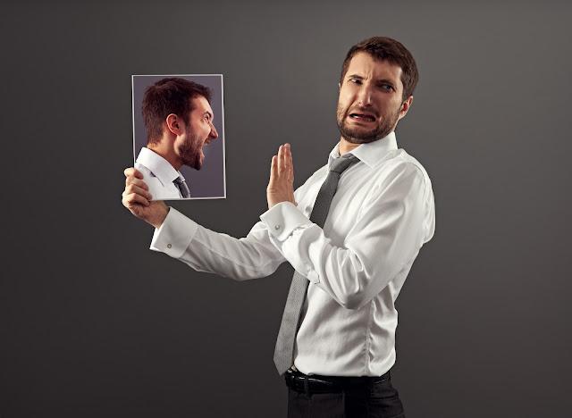 في 9 تسعة  خطوات بسيطة  ،  تعلم كيف تكسب ثقة زملائك