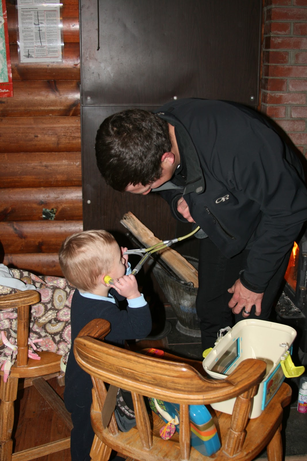 Sofa Ski School Review Pottery Barn Denim Slipcovers Cabin Getaways St Nicholas And Toys Reviews Tales