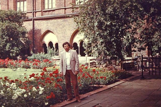 1983 год. Рига. В саду Домского собора