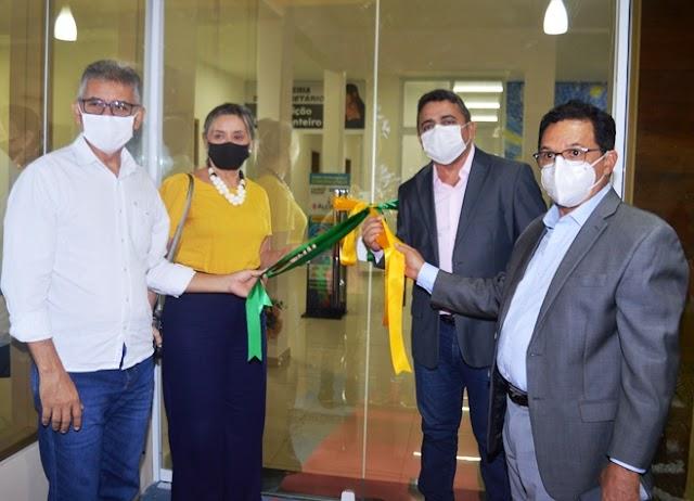 Prefeito Professor Ribinha inaugura nova sede da Secretaria Municipal Educação