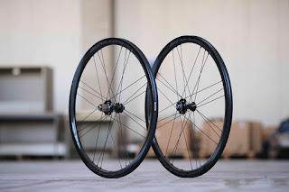 Coppia di ruote in carbonio per bici da corsa Campagnolo Bora WTO 33