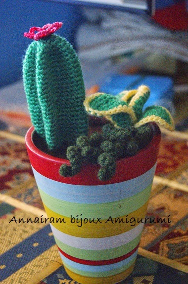 Eva channel | Cactus On Glass Crochet Tutorial - YouTube | 572x380