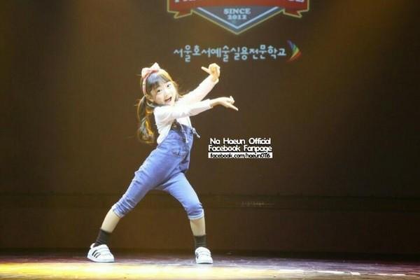南韓7歲小蘿莉夏恩跳TWICE新歌!超齡舞技震撼10萬人