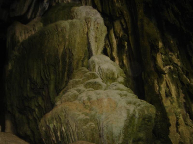 Thăm hang Puông trong vườn quốc gia Ba Bể