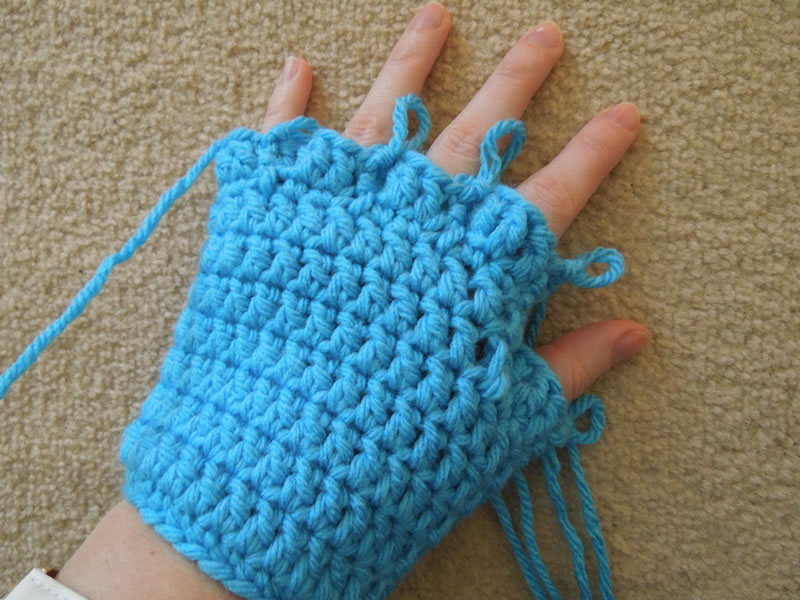 Crochet Gloves With Finger Holes >> Happy Berry Crochet: Crochet Finger and Fingerless/Half Finger Glove Pattern