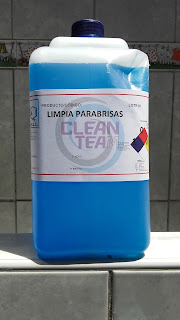 Excelente limpiador de vidrio a base de alcohol isopropilico, elimina la grasitud y toda la suciedad pegada