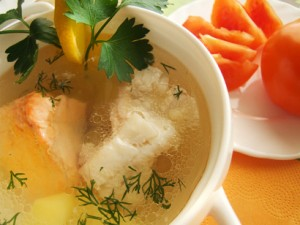 Cara memasak sup ikan salmon yang lezat