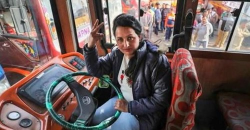 The family was angry, yet Pooja held the steering, becoming the first woman bus driver of Jammu and Kashmir