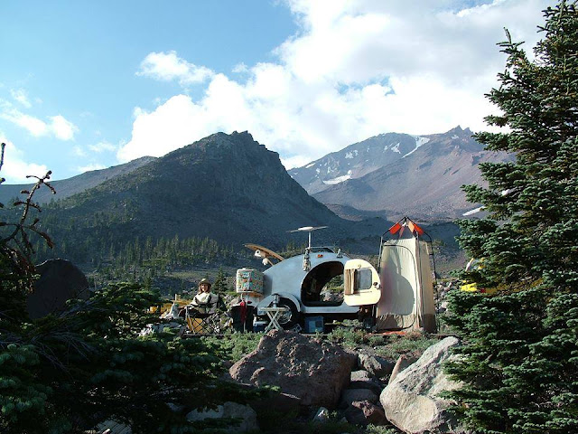 tiny teardrop trailer camping, Mount Shasta