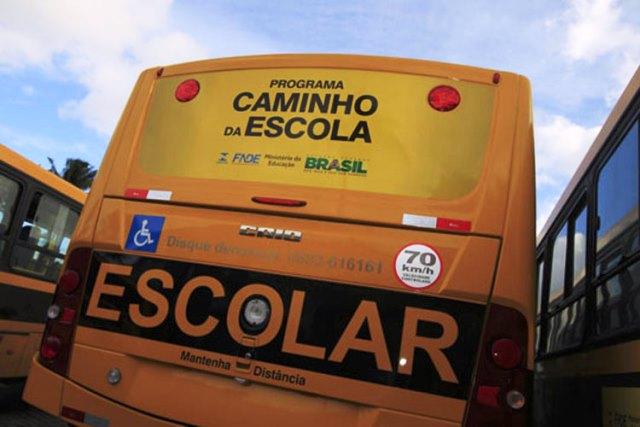Alunos estão sem aulas por falta de combustível para o transporte escolar, em Lagoa Real