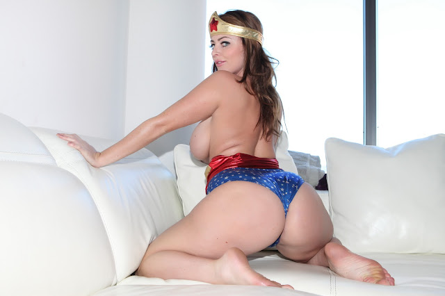 Sophie Dee wonder woman sexy ass naked boobs