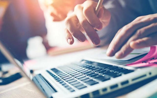 Από σήμερα στις 6 το πρωί έως και αύριο στις 12 το μεσημέρι δεν είναι διαθέσιμες οι ηλεκτρονικές υπηρεσίες που παρέχει η γενική γραμματεία Πληροφοριακών Συστημάτων Δημόσιας Διοίκησης του υπουργείου Ψηφιακής Διακυβέρνησης μέσω των υποδομών της, λόγω προγραμματισμένων εργασιών αναβάθμισής τους.