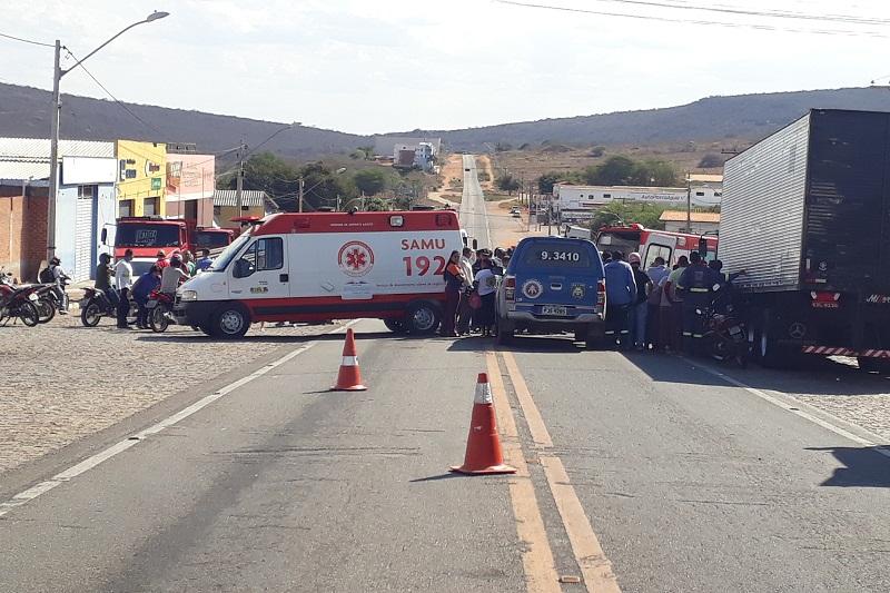Após vários acidentes com vítimas, moradores e comerciantes cobram redutores de velocidade entre o fim da BR-030 com início da Av. Centenário
