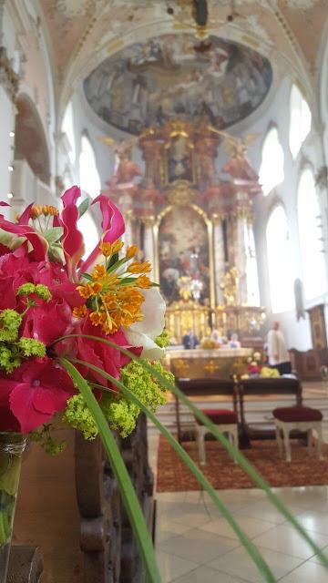 katholisch heiraten Garmisch St. Martin, exotisch heiraten, Malediven Karbiik-Hochzeit im Seehaus, Riessersee Hotel Garmisch-Partenkirchen Bayern, Hochzeitsplanerin Uschi Glas