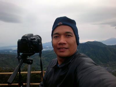 Selfie in Sikunir Peak.