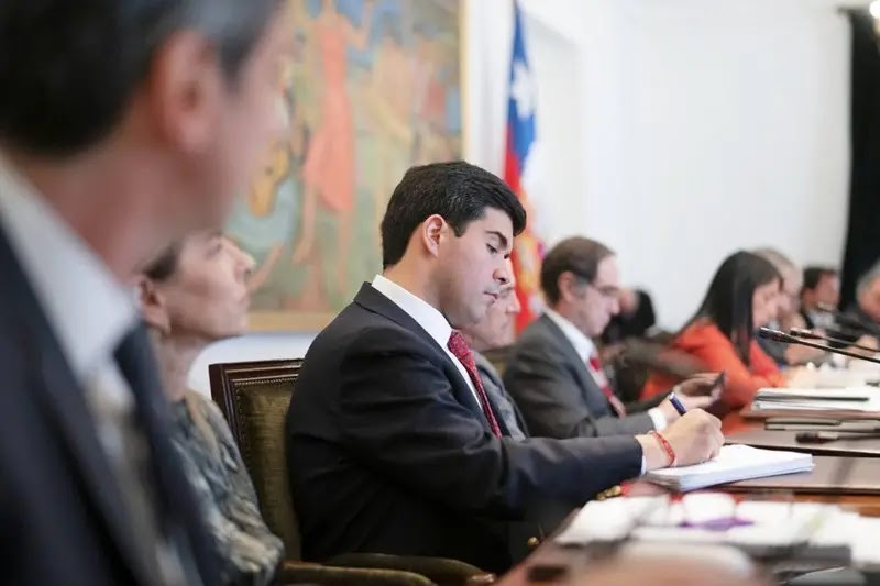 Las explicaciones del nuevo ministro Julio Isamit por facturas impagas