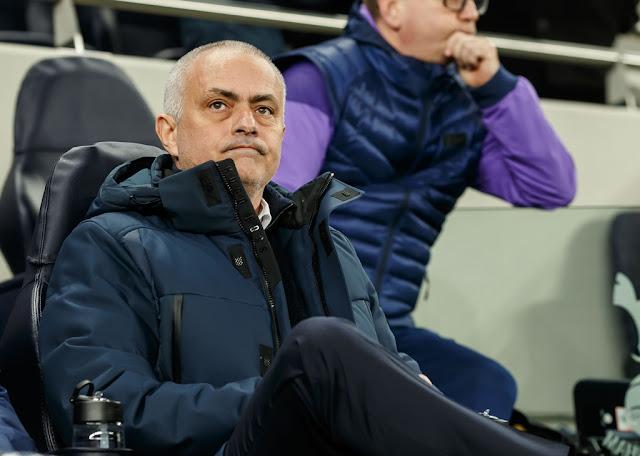 """BÌNH LUẬN: Ai cho Mourinho """"lương thiện""""? 5"""