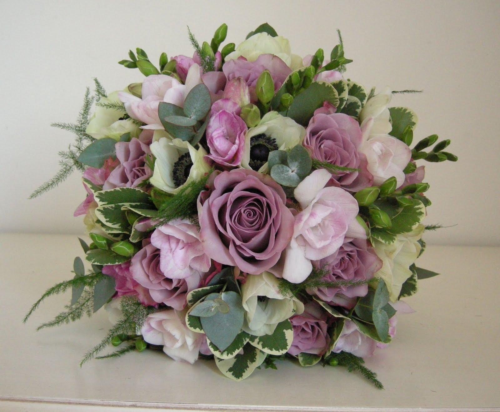 Wedding Flowers Blog: Selina's winter wedding flowers with ...