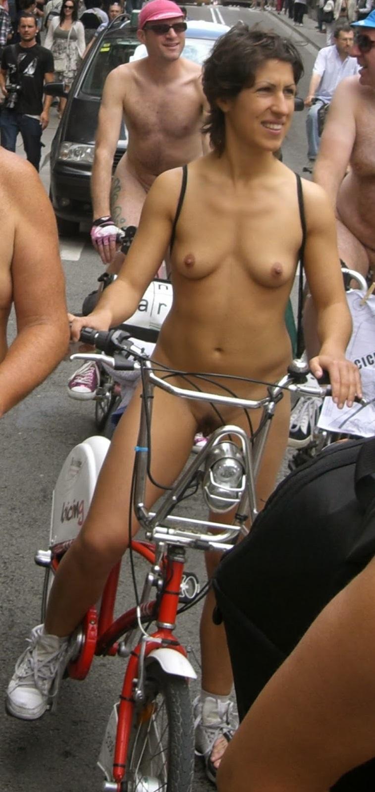 Public Nude Blog