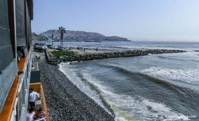 Falésias de Barranco vistas da varanda do Restaurante Cala, Lima, Peru