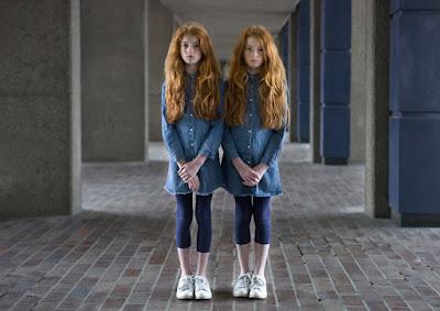 10 Foto Gadis Cantik Kembar Identik di Dunia, Bikin Takjub!