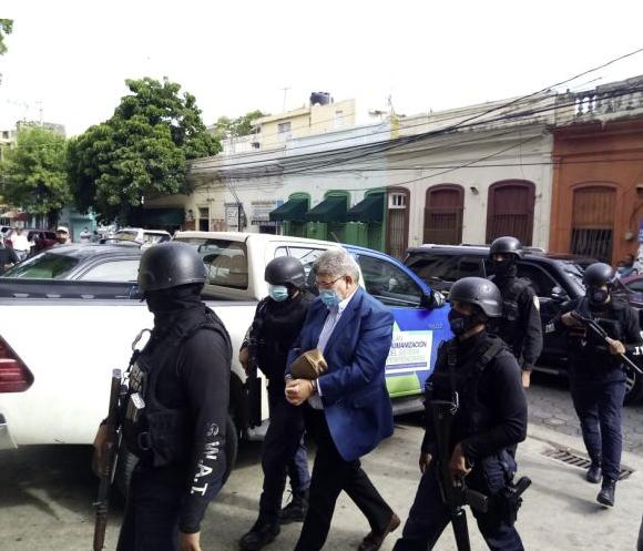"""PROCURADURÍA DICE ALGUNOS DE LOS APRESADOS ESTABAN """"DESTRUYENDO Y OCULTANDO EVIDENCIAS"""""""