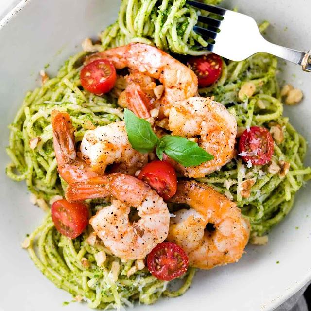 Shrimp and Pasta with Pesto Sauce