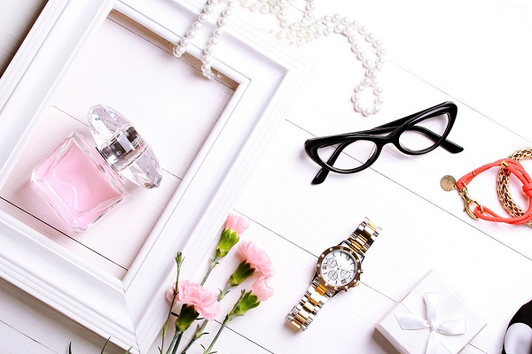 Three Ways of Accessory Glasses That Can Make You and Your Home Look Good