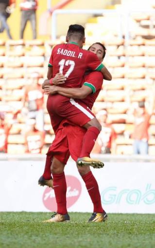gambar Lolos grub B Timnas Indonesia lawan Malaysia di Semifinal