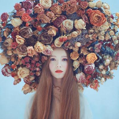 Foto con flores en la cabeza