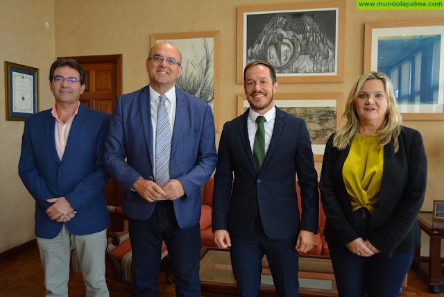 Anselmo Pestana visita, por primera vez, el Cabildo de La Palma como Delegado del Gobierno