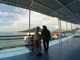 Di atas geladak Kapal Feri Kirana II (Merak-Bakauheni)