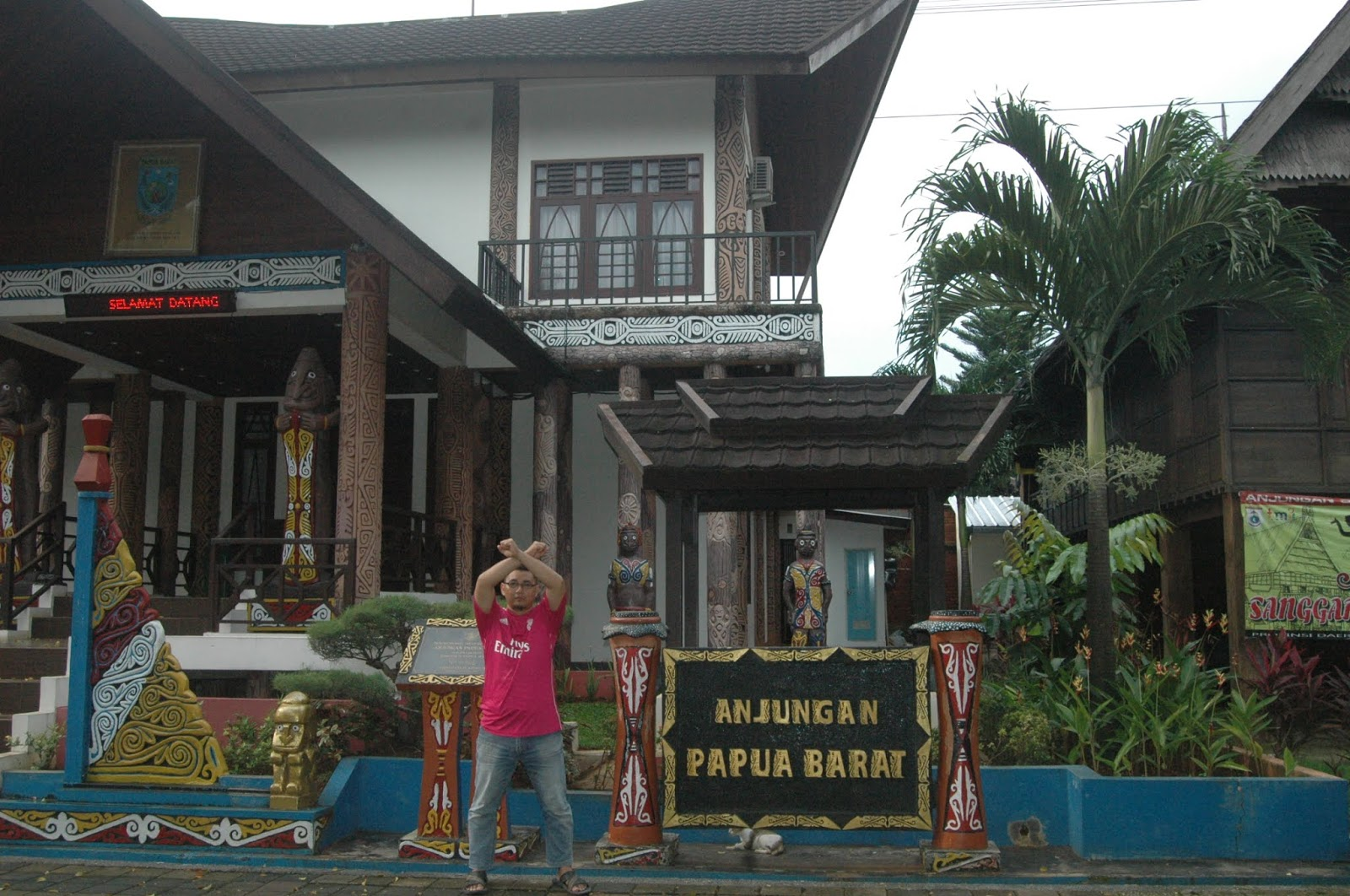 tiket pesawat jakarta surabaya, taman mini indonesia indah, jakarta, traveling, papua barat