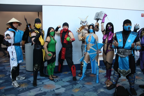 mortal combat cosplayers group