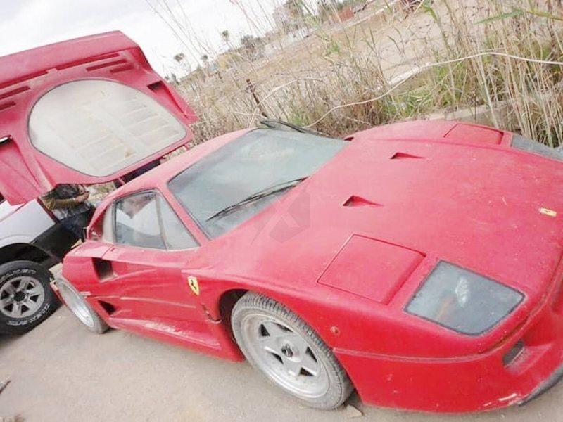 Youtuber cuenta por qué busca incansablemente este Ferrari del hijo de Sadam Husein