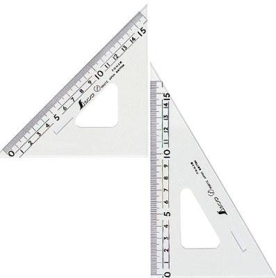 Penggaris segitiga
