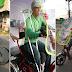 """Mabuting Puso"""" Vlogger, nagregalo ng e-bike sa Grab Food rider na may kapansanan!"""