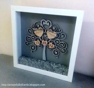 πρωτότυπο δώρο γάμου καδράκι shadow box ξύλινο δεντράκι