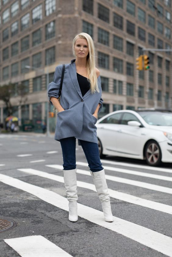 WHITE KNEE HIGH BOOT TREND