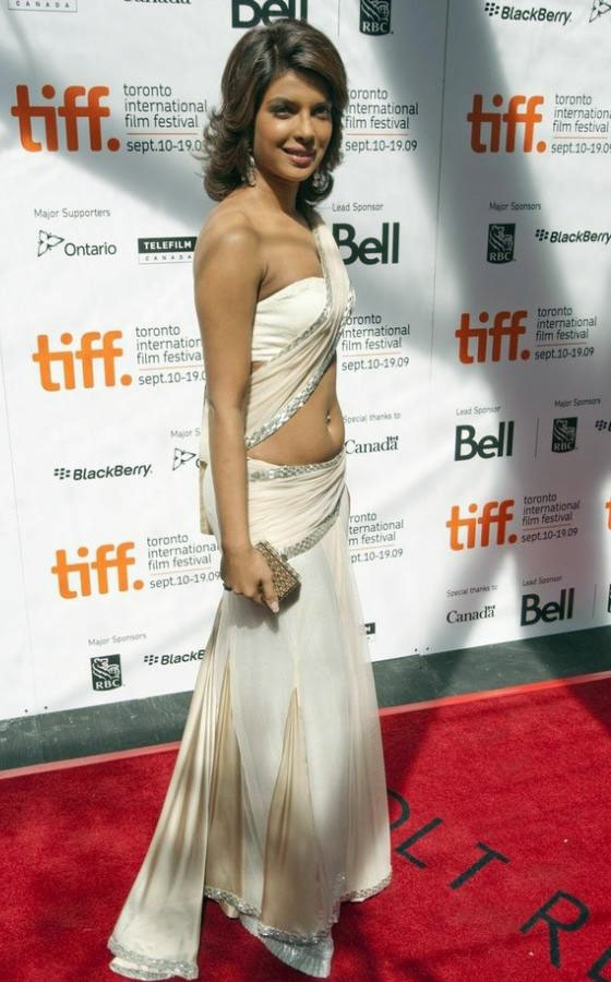 Priyanka Chopra Hot Navel Photo Gallery - Filmnstars-7797