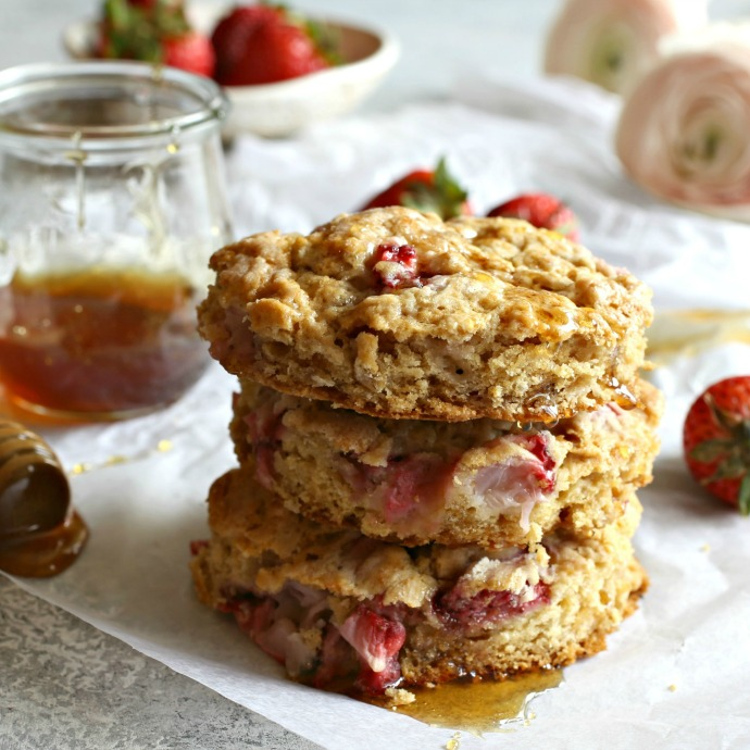 Recipe for fresh strawberry and oat scones, sweetened with honey.