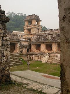 cour palais Palenque